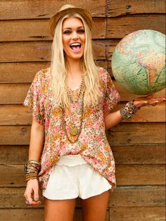 Cute little boho chic get up for spring - so pretty & feminine.