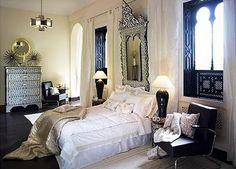 That window decor!