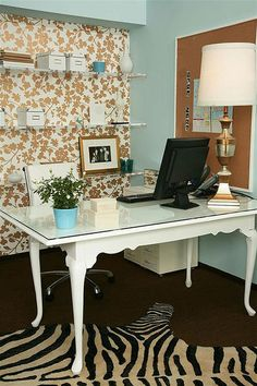 Such a fun home office! I want this.