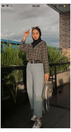 Hijab Fashion Summer, Modern Hijab Fashion, Street Hijab Fashion, Hijab Fashion Inspiration, Muslim Fashion, Edgy Outfits, Cute Casual Outfits, Modest Outfits, Simple Outfits