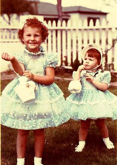Sisters in their Easter dresses, 1956 Vintage Easter Vintage Moms Vintage Mom, Vintage Easter, Vintage Holiday, Vintage Children, Vintage Dresses, Vintage Outfits, Vintage Fashion, Vintage Photographs, Vintage Photos