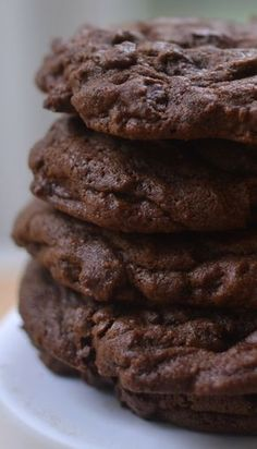 Triple Chocolate Chunk Cookies are the most marvelous chocolate cookies you will ever have. They are decadent, rich and moist! Cookie Recipes, Dessert Recipes, Desserts, Baking Recipes, Easy Recipes, Triple Chocolate Cookies, Chocolate Chocolate, Ghirardelli Chocolate, Chocolate Lovers