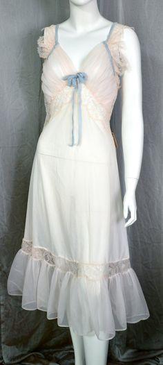 50s Chantilly Lace Nightie