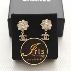 ต่างหู Chanel Earring Flowers Crystal GHW ของใหม่พร้อมส่ง‼️ - Iris Shop