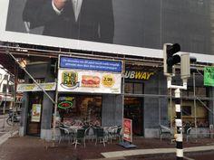 Zwak: de buitenreclame van Nespresso overheerst dat van Subway, pas op de foto zag ik dat er buitenreclame werd gemaakt door Subway.