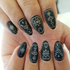 Beautiful Nail Art Designs for Ladies in 2019 - Page 18 of 20 Nails bring vitality and light to our lives. That's why we have so many of the best dynamic nail designs. These nails all provide a… Cute Nails, Pretty Nails, My Nails, Fall Nails, Best Nail Art Designs, Fall Nail Designs, Witchy Nails, Nail Polish, Round Nails