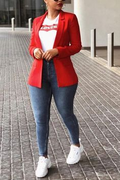 Smart Casual Office Outfit to adopt from especially from serwaa amihere and some other ladies of good office attire sense. Curvy Girl Outfits, Casual Work Outfits, Blazer Outfits, Office Outfits, Classy Outfits, Stylish Outfits, Office Wear, Casual Wear, Outfit Work