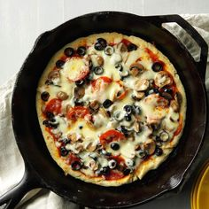 Cheese & Mushroom Skillet Pizza Recipe -This Italian skillet toss is an awesome way to use up extra spaghetti sauce at the end of the week. It fits right in on Friday pizza night. —Clare Butler, Little Elm, Texas Cast Iron Skillet Cooking, Iron Skillet Recipes, Cast Iron Recipes, Skillet Meals, One Pot Meals, Main Meals, Pizza Recipes, Cooking Recipes, Cooking Corn
