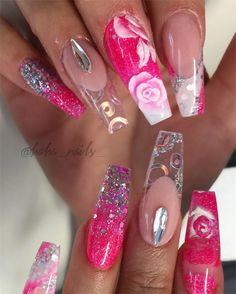 The other hand ✨  Freestyle nails for a nail class  products used  @glamandglitsnails  @glitter_heaven_australia  @youngnailsinc  #hahanails #pinknails #coffinshapenails #glitternails #ombre #swarovskicrystals #longnails #glitterheaven #reversemethod #3droses #hudabeauty #youngnails #glamandglits #blingnails #nailpro #nailprodigy #idahonails #nailartclub #nailart #acrylic #notpolish #akzentz #nailsmagazine #uglyducklingnails