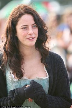 Baring all: Pirates Of The Caribbean's lead actress, Kaya Scodelario rocked a no make-up look while meeting fans in Southport on the Gold Coast on Wednesday after wrapping up filming Kaya Scodelario, Hot Actors, Actors & Actresses, Hollywood Actresses, Gossip Girl Fashion, Gossip Girls, Chuck Bass, Romance, Taylor Momsen
