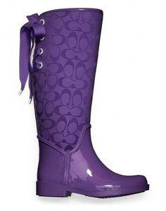 Purple ☔️ Love these Purple Love, Mode Purple, Purple Shoes, All Things Purple, Shades Of Purple, Purple Stuff, Purple Rain Boots, Boot Over The Knee, Street Style