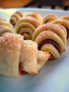 Nutella Pie Crust Crescents - delicious cookies with only 4 ingredients!