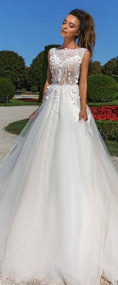 Charming Tulle Bateau Neckline A-Line Wedding Dress With Lace Appliques & 3D Flowers & Beadings