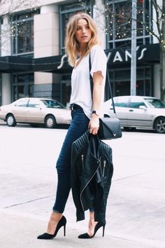 minimalist outfit, minimalist wardrobe, white tee and jeans