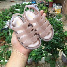 Mini Melissa Brazil Girls Rome Jelly Sandals 2018 New Non-slip Melissa  Jelly Shoes Hollow fc50a434d021