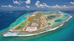 Maldives Airport is located on an artifical island in the middle of the Indian Ocean! Resorts, Cities, Airport Photos, Kings Island, Air Tickets, Tumblr Photography, Business Class, Travel News, Islands