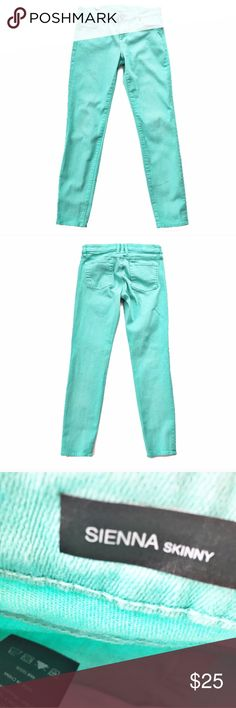 """Kut from the Kloth aqua skinny jeans Sienna fit skinny jeans in aqua from Kut from the Kloth, size 6. Excellent condition. Flat measurements are waist: 15.5"""", hips: 17.5"""", front rise: 8.5"""", inseam: 30"""", length: 37.5"""". Kut from the Kloth Jeans Skinny"""