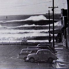 Row of weatherboard shops with awnings sit beside Cronulla waves - Australia circa 1960 Retro Surf, Vintage Surf, Surfing Pictures, Land Of Oz, Historical Images, Sydney Australia, Black And White Photography, Old Photos, Waves