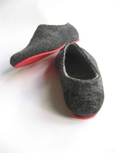 7a56d6d9eb5 10 Best travel slippers images