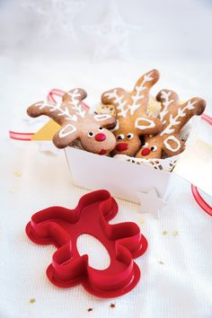 We can't get enough cookies this holiday season! Make festive treats your kiddos will love with our Gingerbread Cookie Cutters.