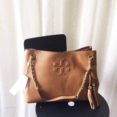 Tory Burch Thea Tote Bag #tan Rare color authentic and NWT Tory Burch Bags Totes
