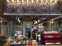 Mûre à Paris, Île-de-France, streetfood, frais, pesto aubergine, jus maison, saison 11€