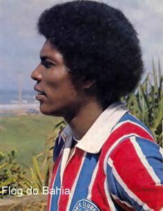 Toninho, lateral-direito, em foto de 1977