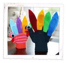 turkey glove favor for kids Thanksgiving table! Thanksgiving Favors, Thanksgiving Celebration, Kids Thanksgiving, Glove Puppets, Finger Puppets, Fall Crafts, Crafts For Kids, Puppet Making, Turkey Craft