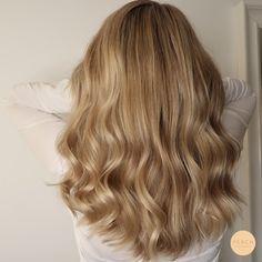Pretty Blonde Hair, Gorgeous Hair Color, Ash Blonde Hair, Balayage Hair Blonde, Cut My Hair, Hair Cuts, What Is Virgin Hair, Hair Levels, Haircuts For Long Hair