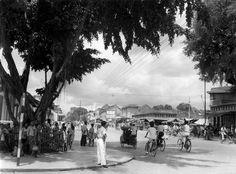Djokjakarta, gezellige drukte in de Hoofdstraat, Indonesië, december 1947.
