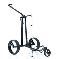 Der revolutionäre JuCad Phantom Golftrolley in Titan ist bereits ein Erfolgsmodell. Jetzt gibt es den eleganten Golf-Caddy mit den einzigartigen Einspeichenfelgen auch in Carbon. Dank des modernen Edelwerkstoffes Carbon konnte JuCad in der Gestaltung noch innovativer werden, ganz nach dem Motto: eckig trifft rund! Das neue Modell ist auch manueller Golf-Caddy erhältlich.