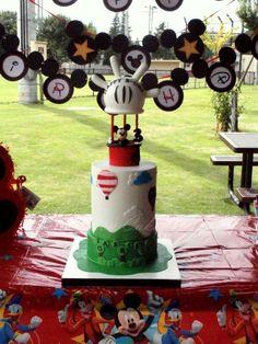 Mickey Mouse Hot Air Balloon themed birthday cake.