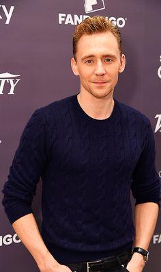 Tom Hiddleston at Toronto International Film Festival 2015. Full size image: http://ww4.sinaimg.cn/large/6e14d388gw1exexmua006j22j43ss4qr.jpg Source: Torrilla, Weibo