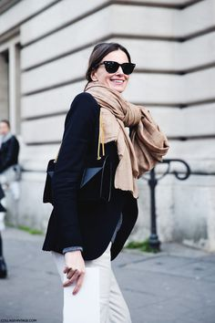 Chic in black and white. #fashion #whitejeans #paris, #scarf #outfit