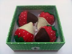 Play food Felt strawberries in chocolate set of 4 by DusiCrafts