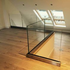 No handrail (19) Glass Balustrade, Glass Railing, Deck Railings, Glass And Aluminium, Laminated Glass, Modern Stairs, Home Bedroom, Clear Glass, Flooring