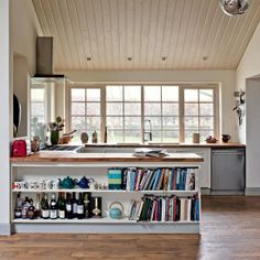 Looking kitchen flooring ideas? From kitchen floor tiles to flagstones, we've got gorgeous flooring ideas for kitchens to transform the heart of your home Wood Floor Kitchen, Kitchen Flooring, Kitchen Units, Kitchen Layout, Open Plan Kitchen, Country Kitchen, Kitchen Bookcase, Country House Interior, Country Homes