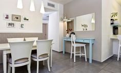 דירה בהרצליה פינת אוכל וכניסה לבית Dining Area, Dining Rooms, Table, House, Furniture, Bright, Home Decor, Projects, Ideas