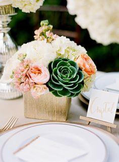 Succulent Wedding Centerpiece | Pink and Gold Wedding Ideas |http://beautiful-bridal.blogspot.com/2015/07/17-stunning-succulent-wedding.html