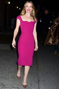 Fountain of youth: Leslie Mann barely showed her age at The Ed Sullivan Theater in Manhattan on Wednesday Hot Pink Dresses, Nice Dresses, Leslie Mann, Shows In Nyc, Fountain Of Youth, Star Show, Thing 1, Roland Mouret