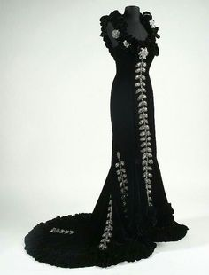 Edith Head's gown for Mae West in She Done Him Wrong