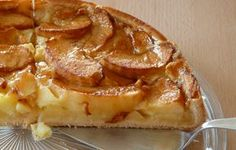 german apple cake Low-carb apple pie - easy, quick and delicious! Apple Recipes Easy, Quick Easy Desserts, Food Cakes, Dessert Recipes, Puff Pastry Apple Pie, German Apple Cake, Light Cakes, Cookies Et Biscuits, Per Diem