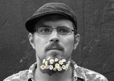 INSIDER ULM: MARCO KERLER  Er schreibt, verwandelt seine Worte in Musik und ist bei Kunstwerk e.V. Ulm Hauptverantwortlicher für Literatur: Der Autor Marco Kerler ist eine treibende Kraft der Ulmer Literaturszene.