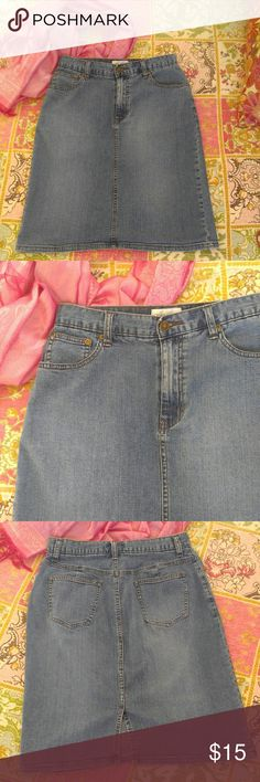 """Chadwick's Jean Skirt Blue denim ~ Three pockets in front, Two in back ~ 22"""" long laying flat ~ 14.5"""" waist laying flat ~ 19.25"""" hips laying flat ~ 5"""" split in back 98% Cotton 2% Spandex Chadwicks Skirts Pencil"""