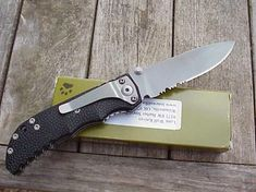Lonewolf Harsey D-2 Double Action, Adams International Knifeworks Buck Knife 110, Unique Knives, Automatic Knives, Buck Knives, Light In The Dark, Action, Group Action