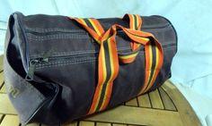 Vintage-Wilson-Gym-Bag-Sport-Duffel-Plastic-Wet-Pocket-Brown-Orange-Canvas-Retro