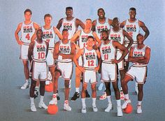 The original United States men's Olympic basketball Dream Team debuted at the 1992 Olympic games in Barcelona, Spain. 1992 was the first year The International Basketball Federation Team Usa Basketball, Houston Basketball, Olympic Basketball, Basketball History, Basketball Pictures, Basketball Legends, Love And Basketball, Olympic Team, Basketball Hoop