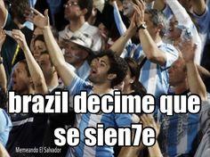 """. Se nos adelanto Alemania pero buenoo . """"Brasil, decime qué se siente tener en casa a tu papá.  Te juro que aunque pasen los años, nunca nos vamos a olvidar...  Que el Diego te gambeteó, que Cani te vacunó, que estás llorando desde Italia hasta hoy.  A Messi lo vas a ver, la Copa nos va a traer, Maradona es más grande que Pelé""""."""