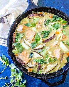 KETO GREEN CURRY WITH SALMON - This easy weeknight dinner comes together in a flash and is packed with fresh vegetables. Don't like salmon? Swap it out for chicken or shrimp or even extra veggies. / https://www.castironketo.net/blog/keto-curry-skillet-with-salmon