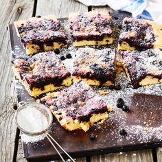 Mustikkamurupiirakka   Maku Camembert Cheese, Margarita, Sweet Tooth, Deserts, Dairy, Food And Drink, Beef, Baking, Koti